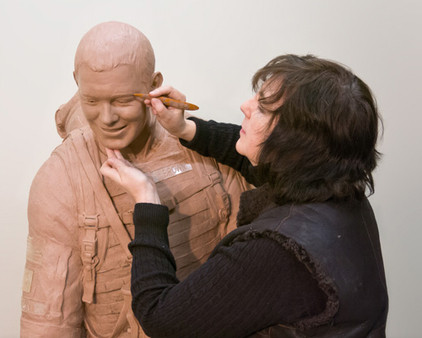 Photo of Lena Toritch - the sculptor